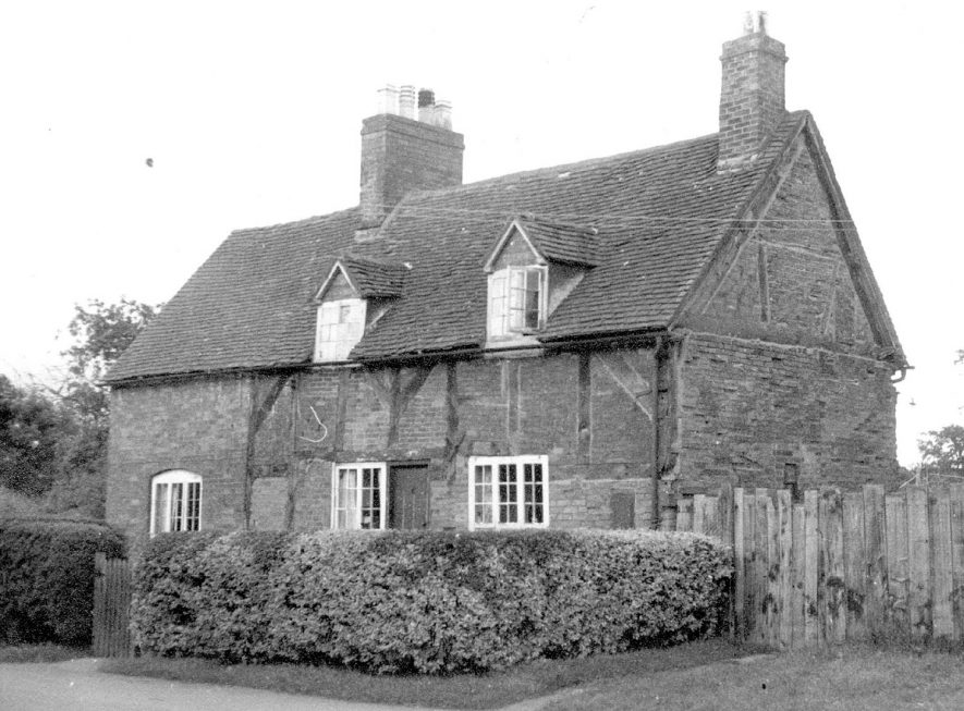Ensor's Cottage, Lower Green, Shustoke which was demolished in 1967.    IMAGE LOCATION: (Warwickshire County Record Office)