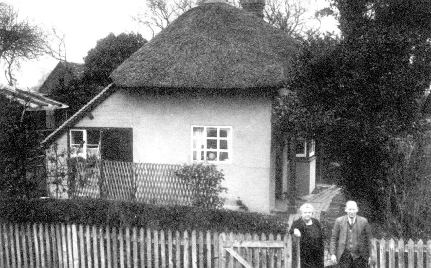 79 Vicarage Road, Bishops Tachbrook.  1930s |  IMAGE LOCATION: (Warwickshire County Record Office)