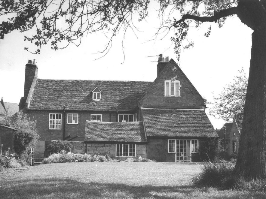 Farmhouse built on the site of the Old Manor House, Cubbington  which was demolished at the end of the 18th century.  1950s  For more detailed information refer to - Cubbington by G.F.Peppitt. |  IMAGE LOCATION: (Warwickshire County Record Office)