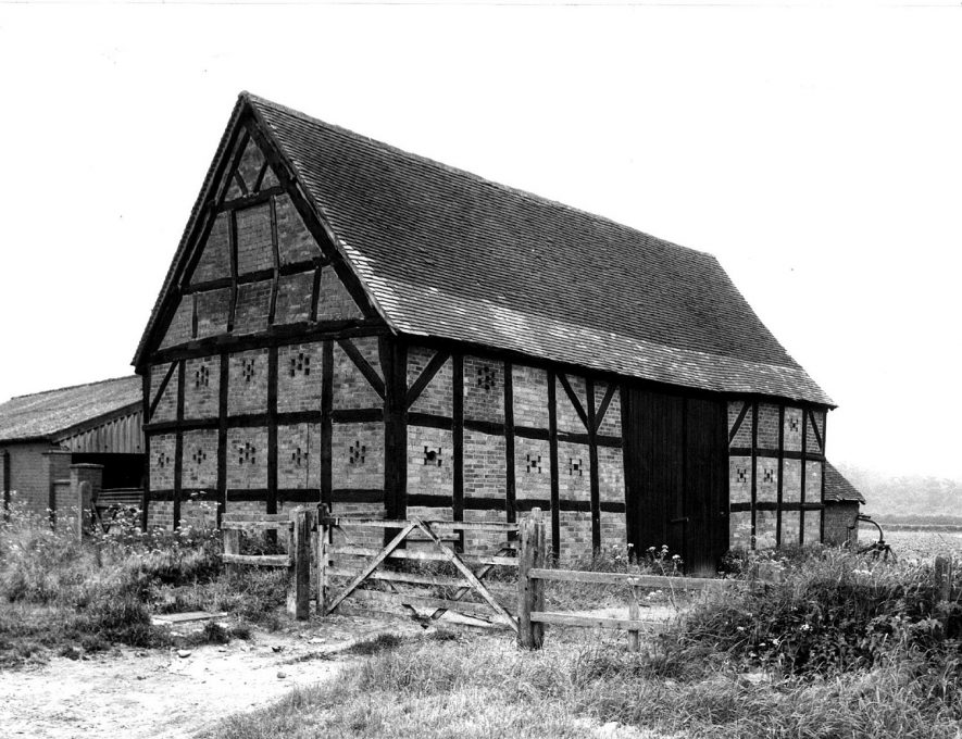 Half timbered barn situated on the Offchurch Road, Cubbington. This has now been converted to a house. 1950sFor more detailed information refer to - Cubbington by G.F.Peppitt. |  IMAGE LOCATION: (Warwickshire County Record Office)