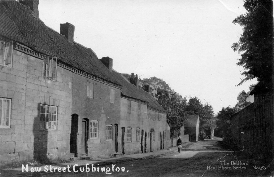 Row of terraced houses in New Street, Cubbington.  1940s For more detailed information refer to - Cubbington by G.F.Peppitt.    IMAGE LOCATION: (Warwickshire County Record Office)