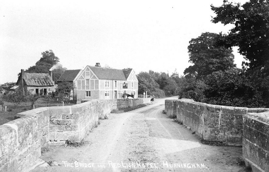 The Bridge and The Red Lion Hotel and public house, Hunningham.  1920s |  IMAGE LOCATION: (Warwickshire Museums. Photographic Collections.)