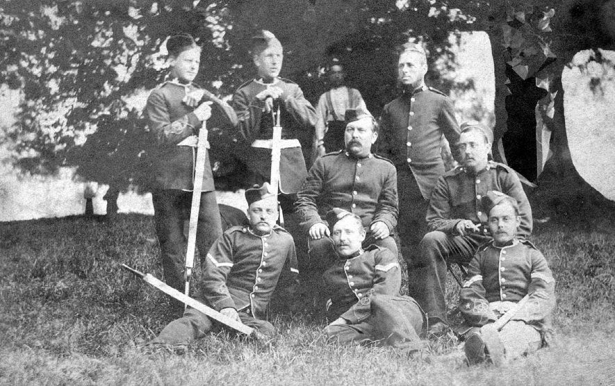 Group of the Leamington Rifle Volunteers with Sergeant Metcalfe in the centre. 1 900s |  IMAGE LOCATION: (Warwickshire Museums. Photographic Collections.) PEOPLE IN PHOTO: Metcalfe, Sgt