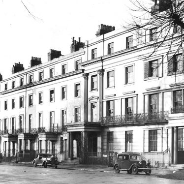 Leamington Spa.  Clarendon Square, north side