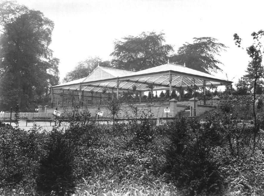 Large Victorian glass covered stand in Jephson Gardens, Leamington Spa.  1900s |  IMAGE LOCATION: (Warwickshire Museums. Photographic Collections.)