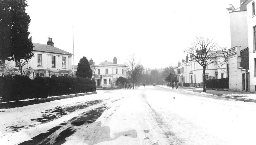 Willes Road, Leamington Spa, in the snow.  1920s |  IMAGE LOCATION: (Warwickshire Museums. Photographic Collections.)
