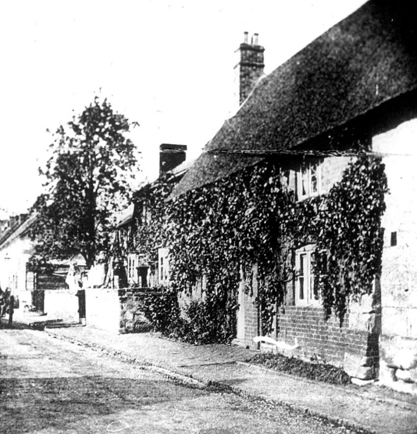 Old cottages in New Street now demolished, Cubbington.  1920s |  IMAGE LOCATION: (Warwickshire County Record Office)