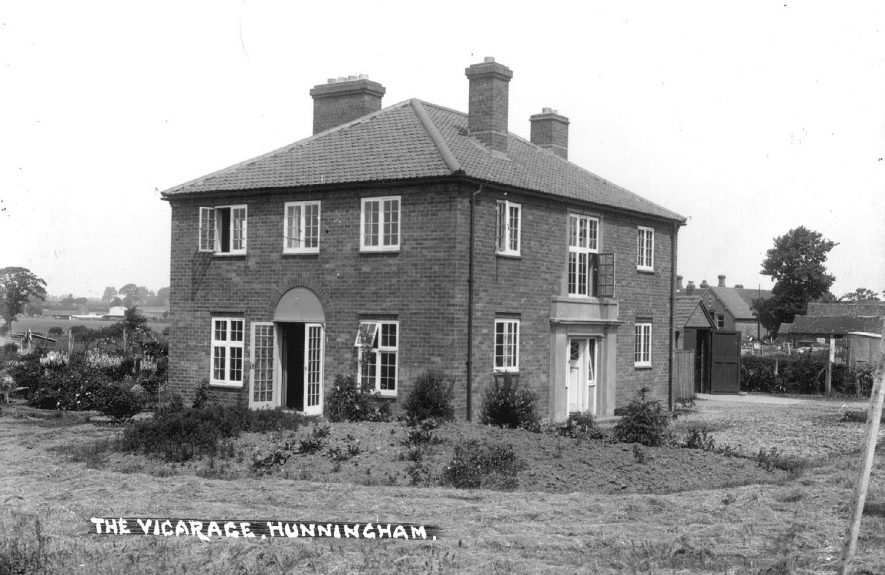 The Vicarage, Hunningham.  1920s |  IMAGE LOCATION: (Warwickshire County Record Office)