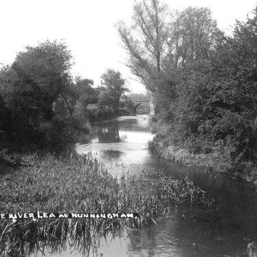 Hunningham.  River Leam