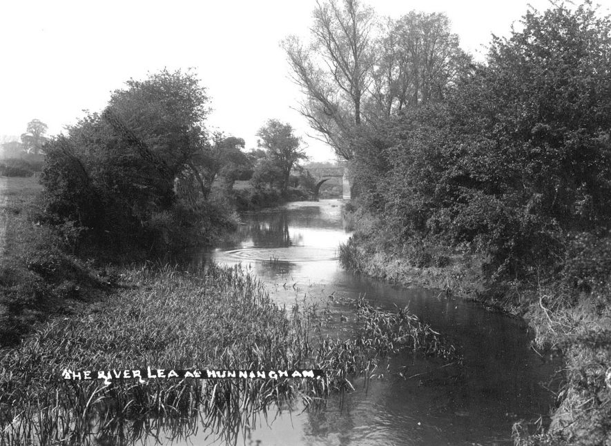 The River Leam at Hunningham.  1930s |  IMAGE LOCATION: (Warwickshire County Record Office)