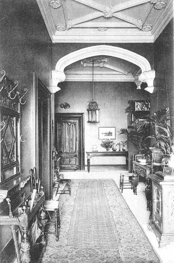 Clarendon House, 22 A Clarendon Square, Leamington Spa, entrance hall interior.  (Ladies' School - 1914 Spennells).  1910s |  IMAGE LOCATION: (Warwickshire County Record Office)