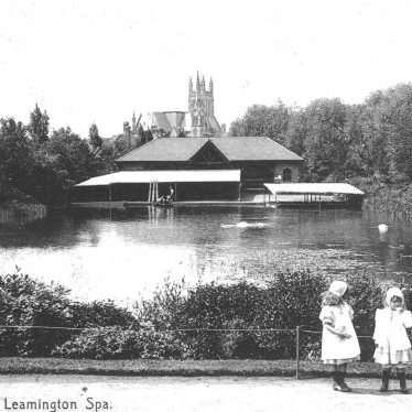 Leamington Spa.  Mill Gardens , boating lake