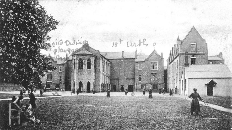 Convent of the Sacred Heart, Binswood Avenue, Leamington Spa.  1910s    IMAGE LOCATION: (Warwickshire County Record Office)