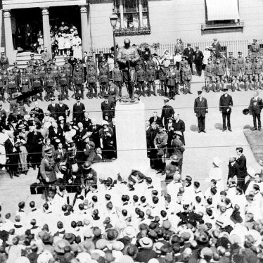 Leamington Spa.  Parade, unveiling war memorial