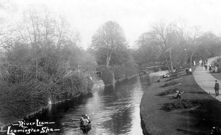 York Promenade and the River Leam, Leamington Spa.  1900s |  IMAGE LOCATION: (Warwickshire County Record Office)