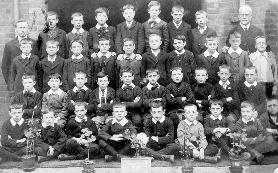 Group of boys at Leicester Street Boys School, Leamington Spa.  1910 |  IMAGE LOCATION: (Warwickshire County Record Office)
