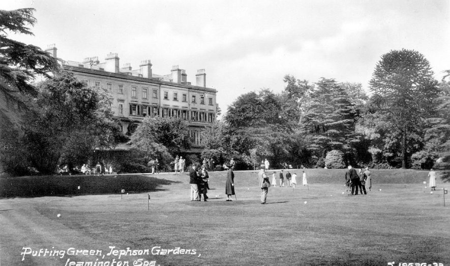 People on the putting green in Jephson Gardens, Leamington Spa.  1930s |  IMAGE LOCATION: (Warwickshire County Record Office)