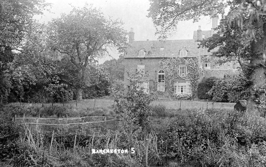 Manor house with garden, Barcheston.  1920s |  IMAGE LOCATION: (Warwickshire County Record Office)