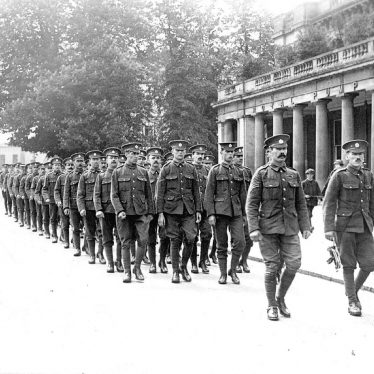 Leamington Spa.  Marching soldiers, First World War