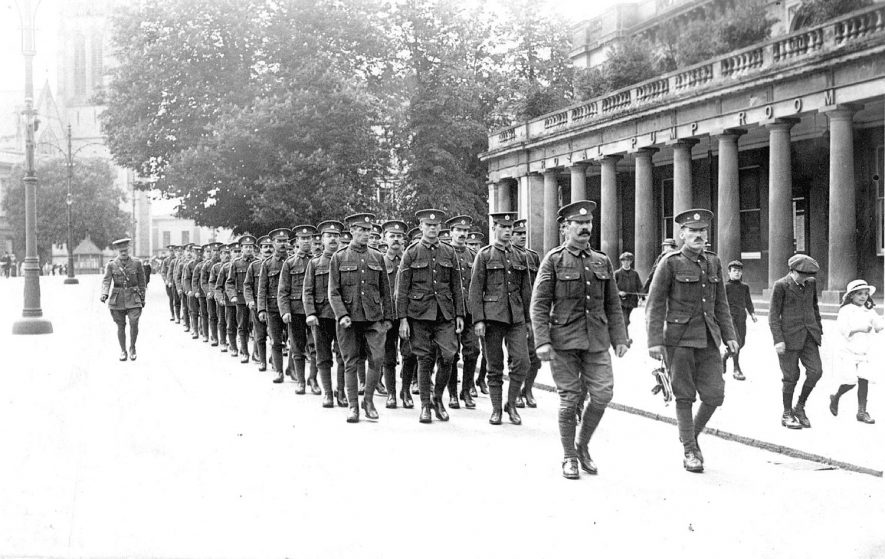 Soldiers marching past the Pump Rooms, Lower Parade, Leamington Spa during the First World War.  1910s |  IMAGE LOCATION: (Warwickshire County Record Office)