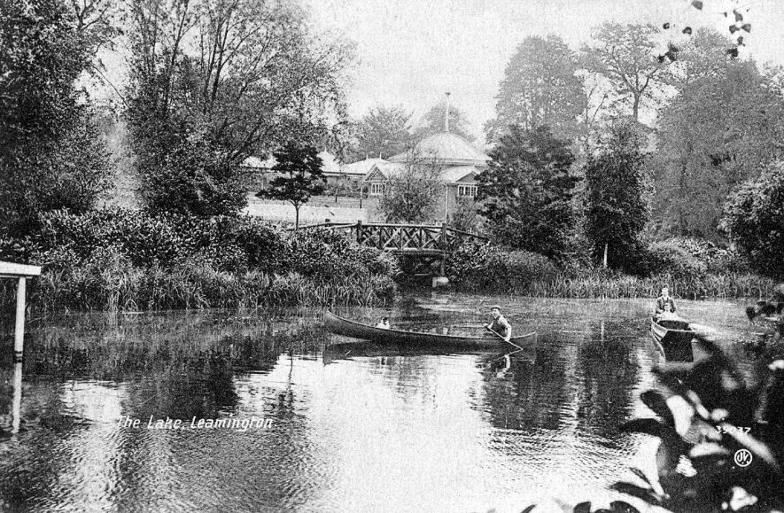 The Lake, Leamington Spa.  1910s |  IMAGE LOCATION: (Warwickshire County Record Office)