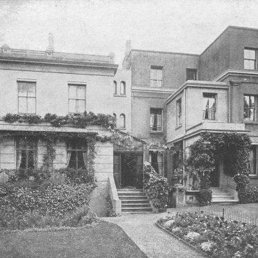 Leamington Spa.  Leam Terrace