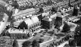 Royal Midland Hospital for incurables viewed from the air, Leamington Spa.  1930s |  IMAGE LOCATION: (Warwickshire County Record Office)