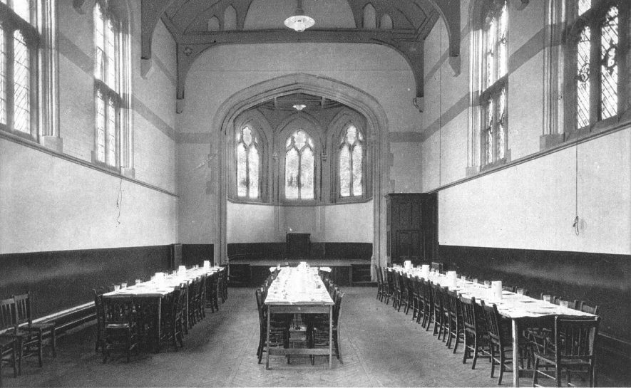 Dining Hall at Leamington College, Binswood Avenue.  1920s |  IMAGE LOCATION: (Warwickshire County Record Office)