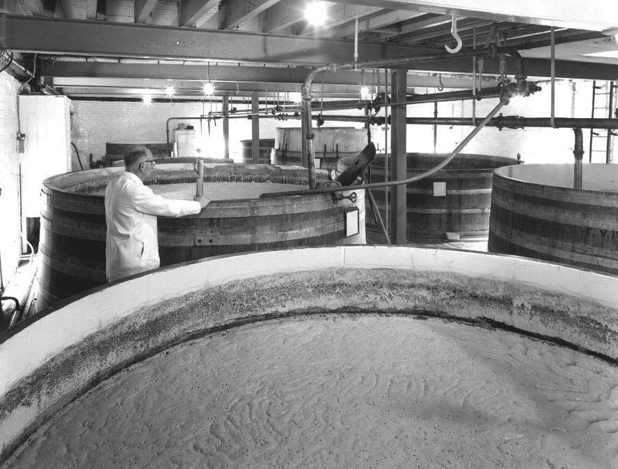 Interior of The Radford Brewery, Radford Semele.  1960s |  IMAGE LOCATION: (Warwickshire Museums. Photographic Collections.)