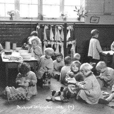 Bishops Itchington.  Infant schoolchildren at play