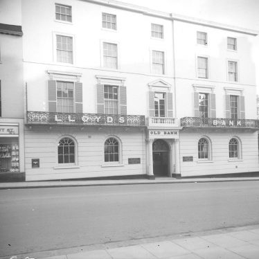 Leamington Spa.  Parade, Lloyds Bank