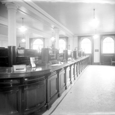 Leamington Spa.  Parade, Lloyds Bank, interior