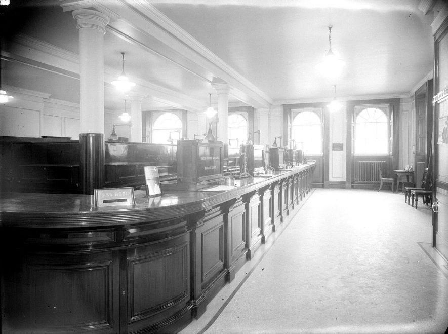 Interior of the Parade branch of Lloyds Bank.  1954 |  IMAGE LOCATION: (Warwickshire County Record Office)