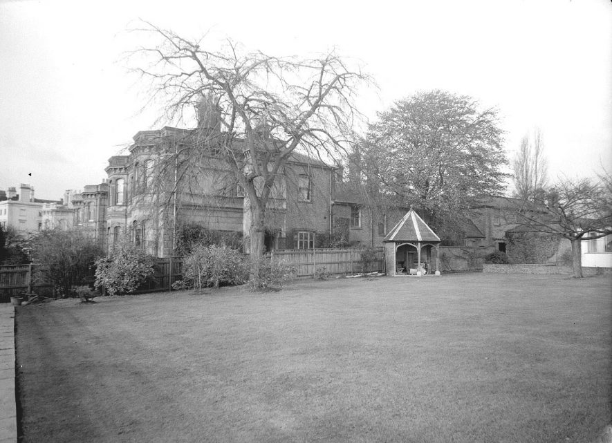 ?10 Eastfield Road, Leamington Spa.  November 1959 [Purcell Close now stands on the ground once occupied by this house. The summerhouse can still be seen in the car park of Purcell Close] |  IMAGE LOCATION: (Warwickshire County Record Office)