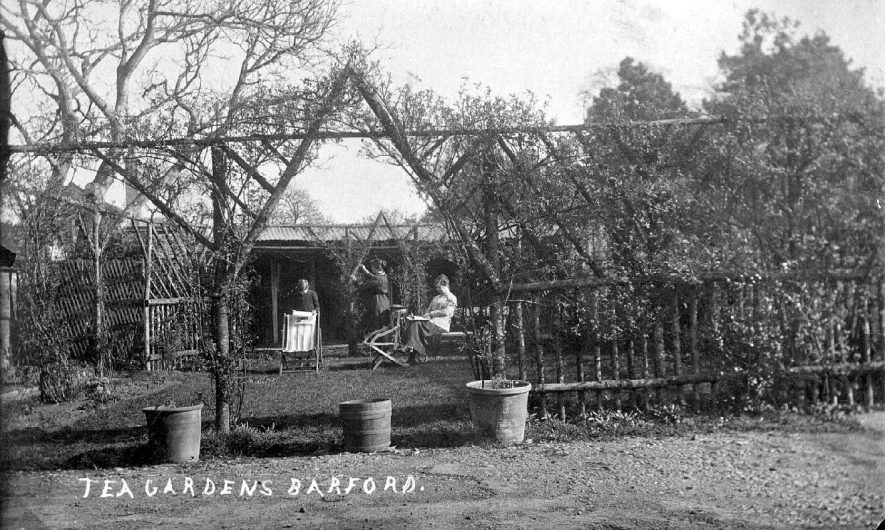 Tea gardens with people in front of shelter, Barford.  1910s |  IMAGE LOCATION: (Warwickshire County Record Office)