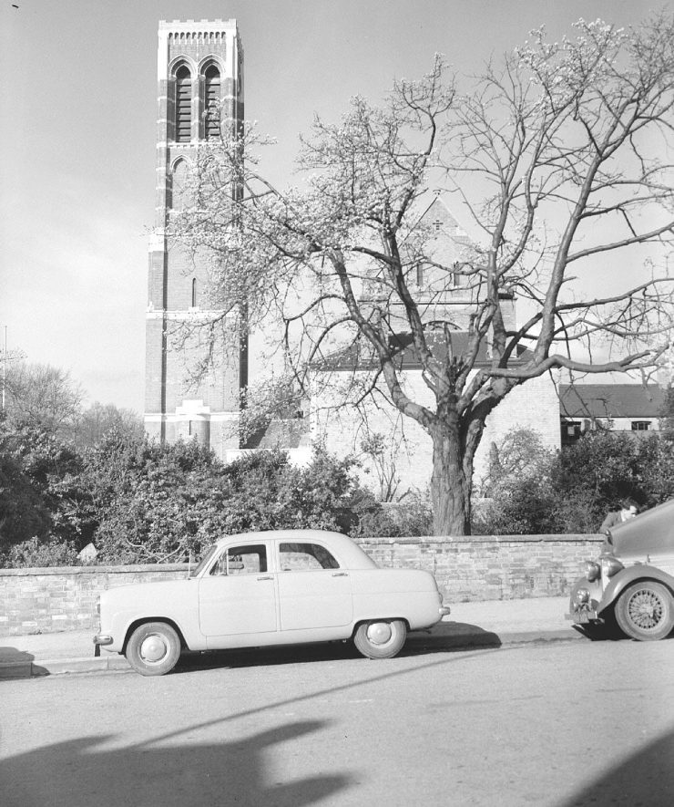 The new tower on St Peter's Church, Leamington Spa.  1952 |  IMAGE LOCATION: (Warwickshire County Record Office)