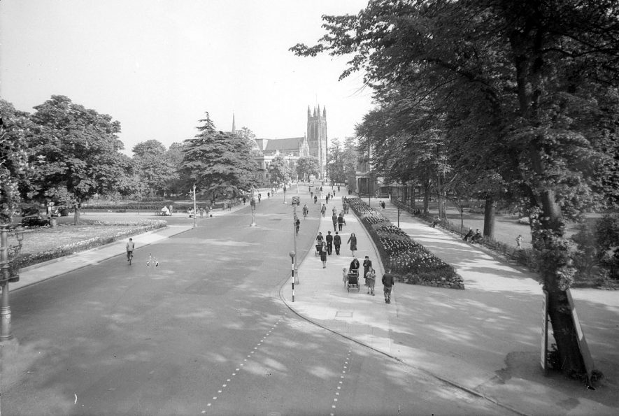 Lower Parade showing Jephson and Pump Room Gardens and the parish church, Leamington Spa.  1942 |  IMAGE LOCATION: (Warwickshire County Record Office)