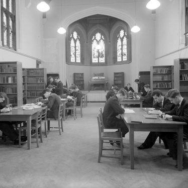 Leamington Spa.  Interior of College library