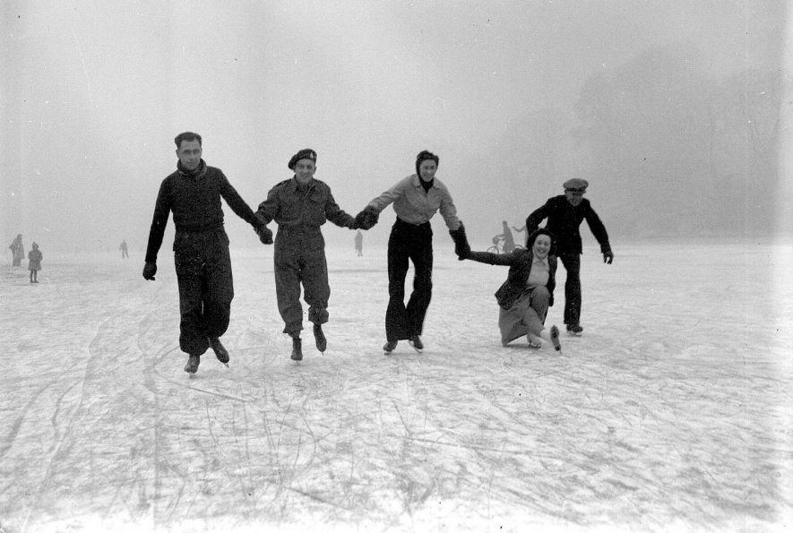 Skating on the River Leam, Leamington Spa.  1946 |  IMAGE LOCATION: (Warwickshire County Record Office)