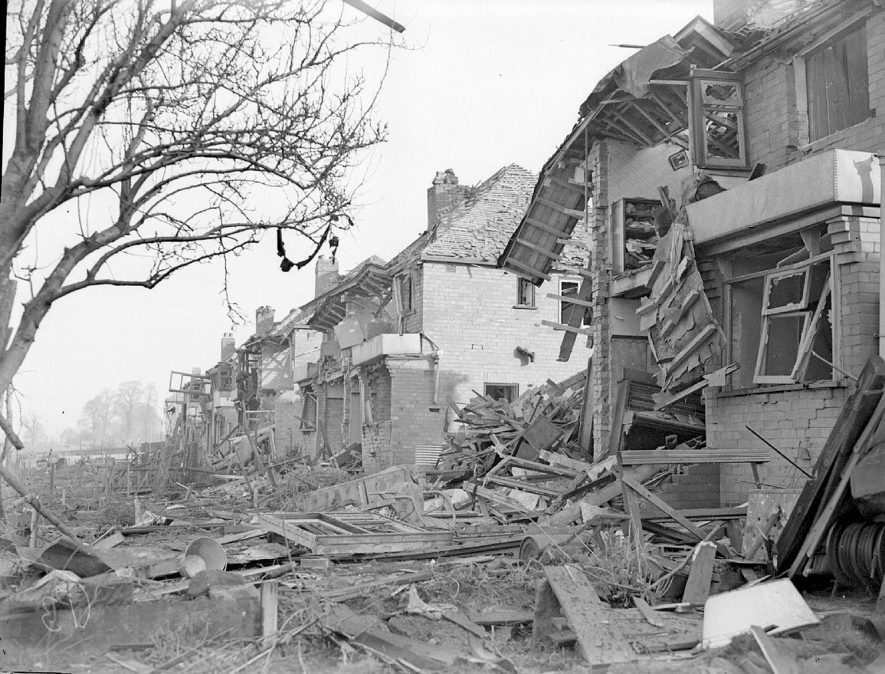 Bomb damage in Lonsdale Road, Lillington.  1940 |  IMAGE LOCATION: (Warwickshire County Record Office)