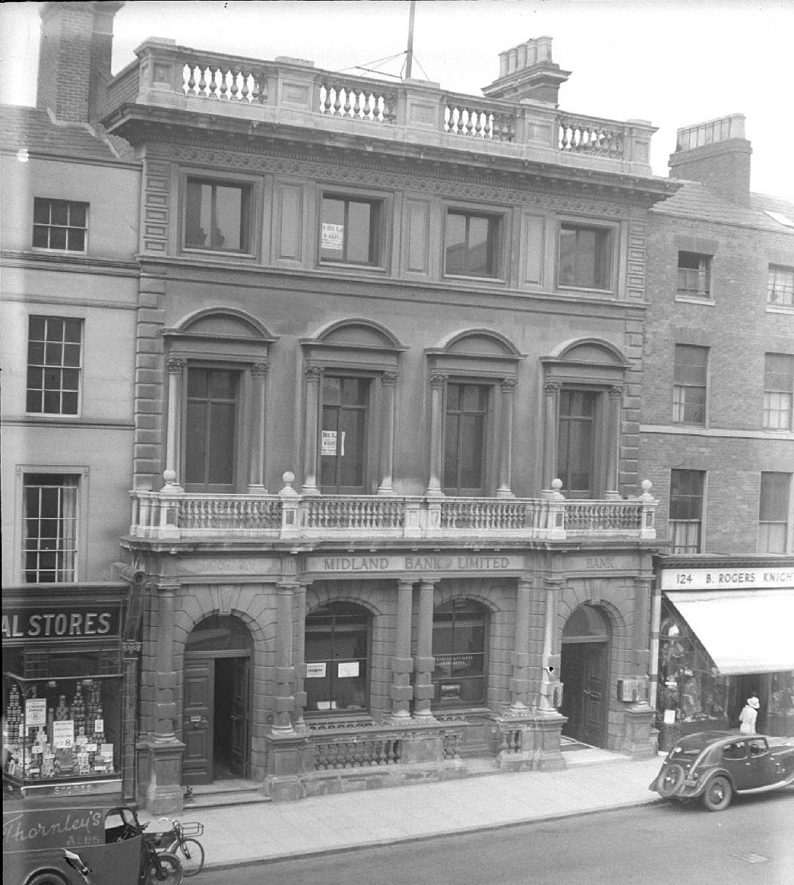 The Midland Bank on  The Parade, Leamington Spa.  April 19th 1938 |  IMAGE LOCATION: (Warwickshire County Record Office)