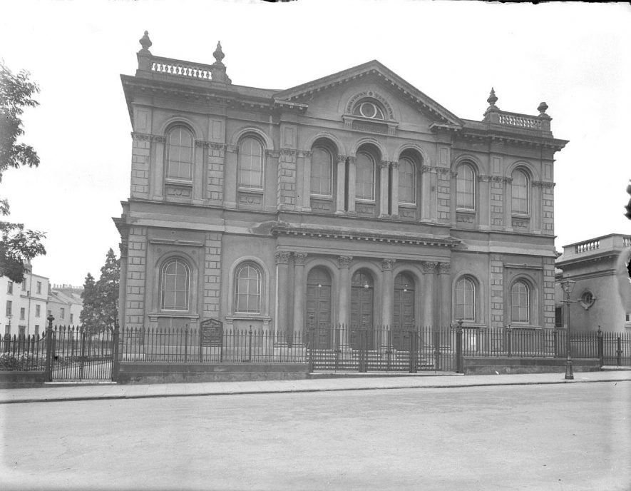 The front exterior of the Methodist chapel in Dale Street, Leamington Spa.  October 5th 1937 |  IMAGE LOCATION: (Warwickshire County Record Office)