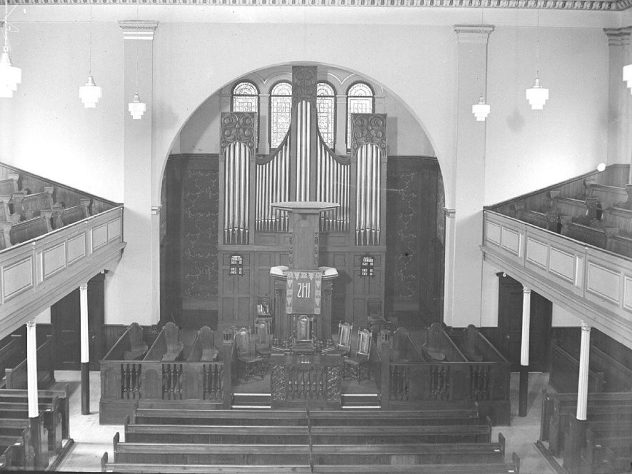 Interior of the Congregational Chapel, Leamington Spa.  June 20th 1936 |  IMAGE LOCATION: (Warwickshire County Record Office)