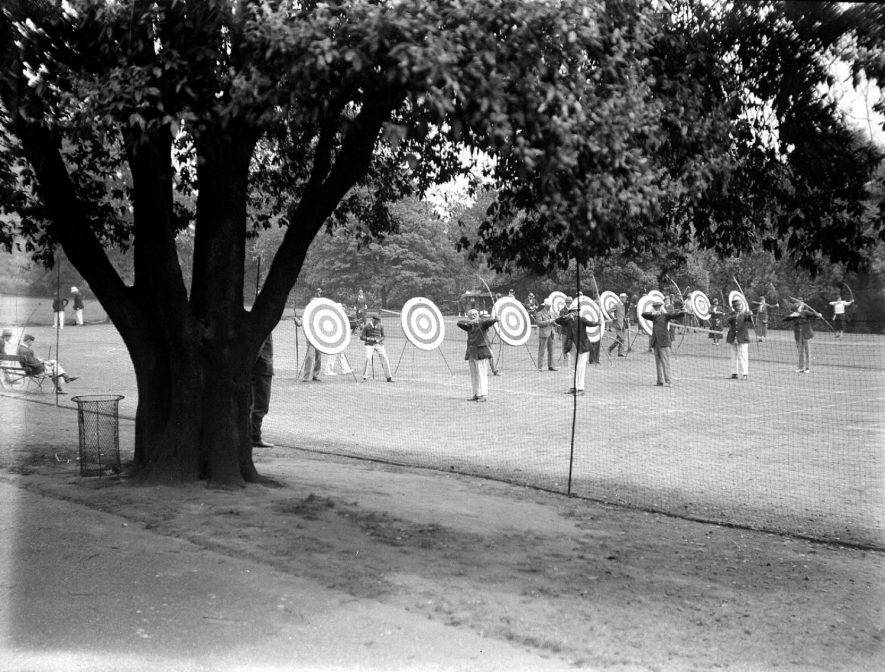 Archery in Jephson Gardens, Leamington Spa.  June 6th 1934