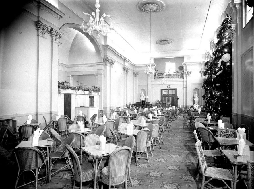 Pump Rooms tea room, interior, Leamington Spa.  13th December 1956 |  IMAGE LOCATION: (Warwickshire County Record Office)