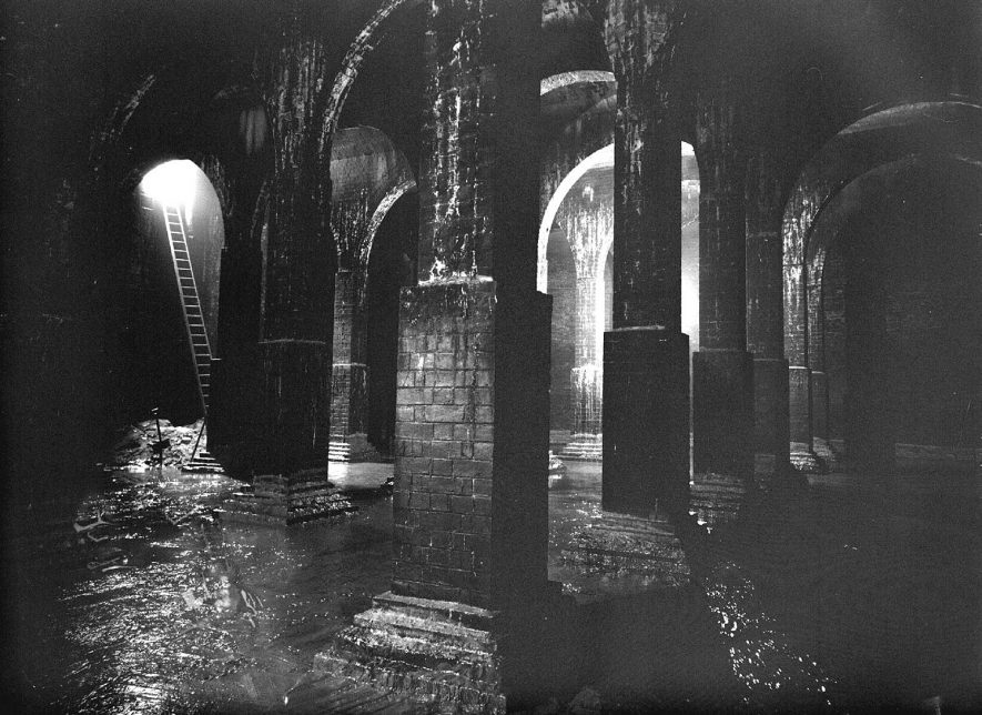 Newbold Beeches reservoir interior (maintenance), Leamington Spa.  1957 30th July 1957. |  IMAGE LOCATION: (Warwickshire County Record Office)