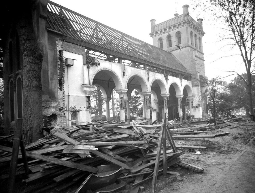 Demolition of Christ Church at top of The Parade, Leamington Spa.  1959 1st February 1959. |  IMAGE LOCATION: (Warwickshire County Record Office)