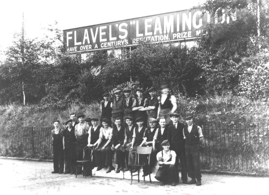 A group of Flavel's workers, Leamington Spa.  1917    IMAGE LOCATION: (Warwickshire County Record Office)