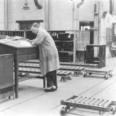 Leamington Spa.  Flavel's, John Stickley in toolroom