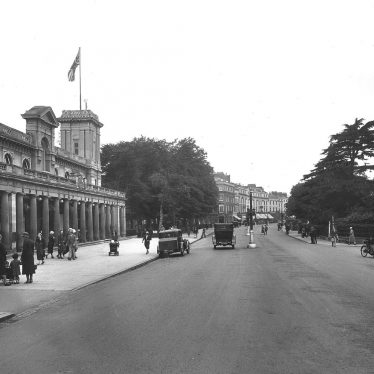 Leamington Spa.  Parade and Pump Rooms